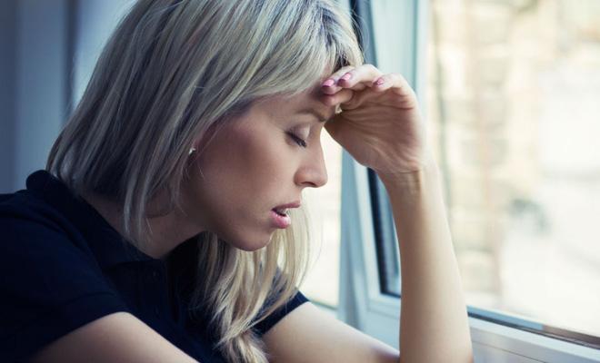 Đau đầu kèm theo những dấu hiệu sau có thể cảnh báo một vài vấn đề sức khỏe mà bạn không ngờ tới - Ảnh 2