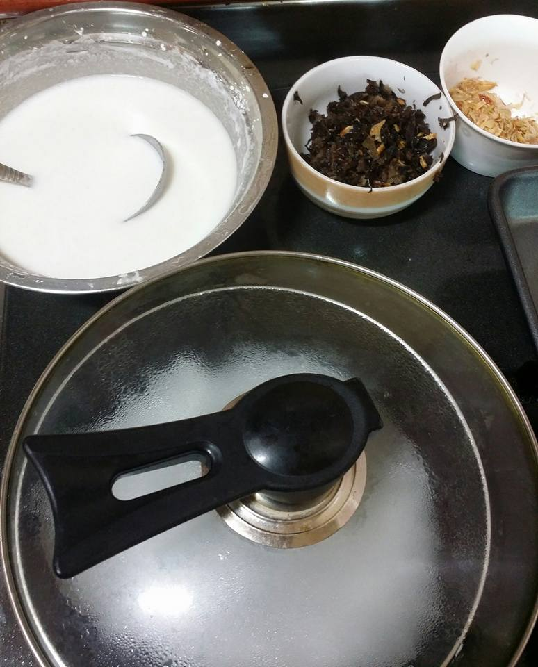 Chỉ cần chảo chống dính bạn cũng có thể tự làm bánh cuốn tại nhà thật dễ dàng - Ảnh 4