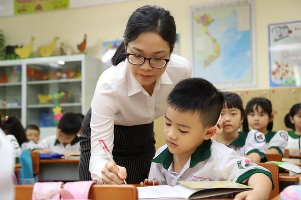 6 khoản tiền đóng cho nhà trường được sở GDĐT quy định mức khung cụ thể cha mẹ cần nắm rõ - Ảnh 1