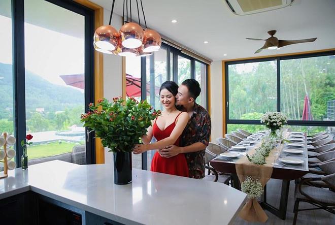 Anh Vũ 'Về nhà đi con' hôn nhân đổ vỡ, kinh doanh thua lỗ ở tuổi 28 - Ảnh 4
