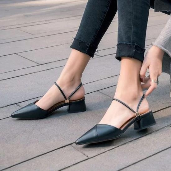 Các kiểu giày đế thấp cho chị em văn phòng - Ảnh 2