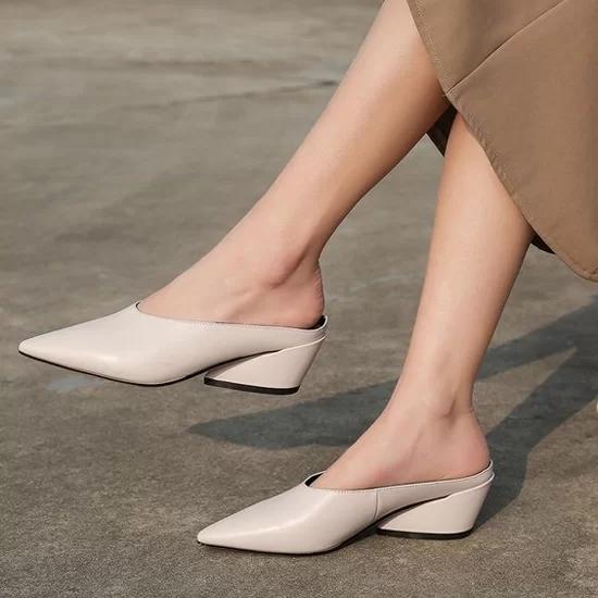 Các kiểu giày đế thấp cho chị em văn phòng - Ảnh 6