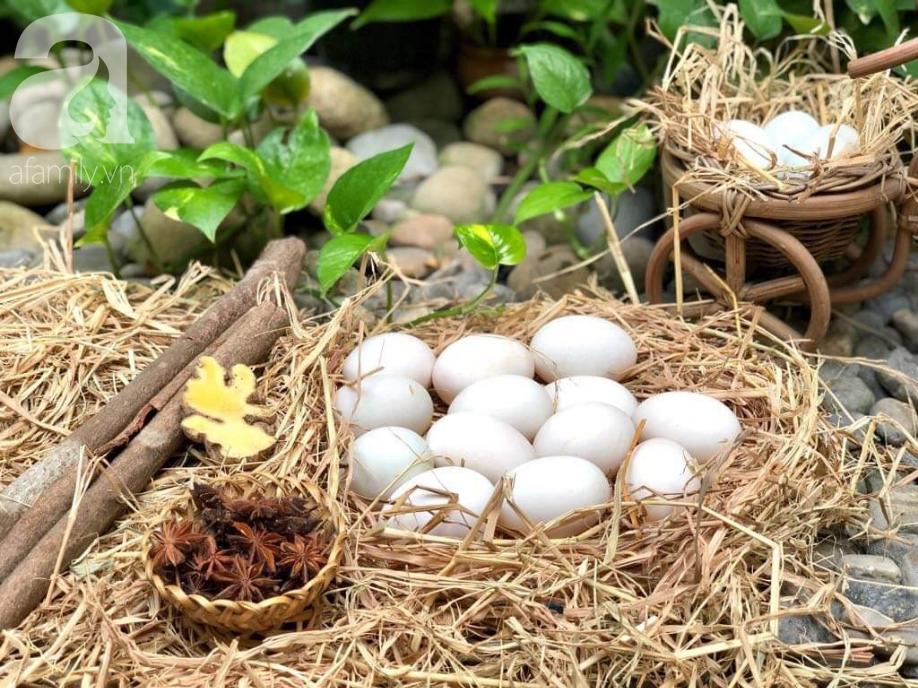 Mách bạn cách làm trứng muối thơm ngon đều chằn chặn, 10 quả như 1 - Ảnh 1