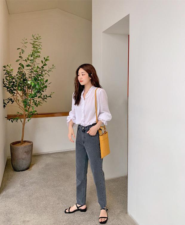 Để tránh bị chê 'không ra thể thống gì' khi diện quần jeans đi làm, nàng công sở chỉ cần nhớ đúng 4 tips - Ảnh 1
