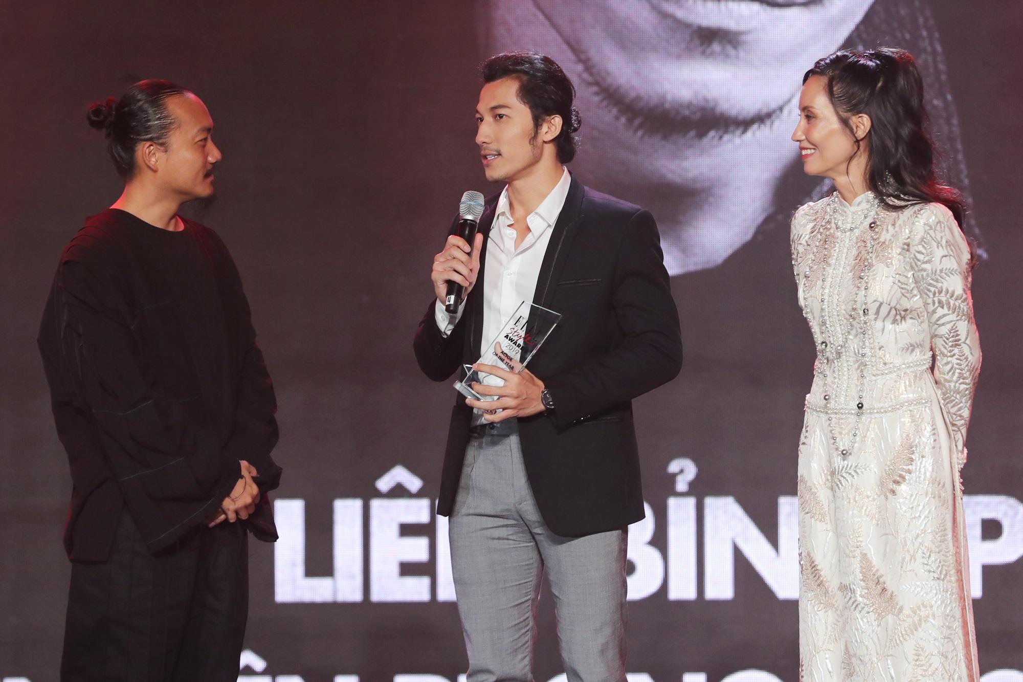 Đàm Vĩnh Hưng trao giải Super Icon cho Mỹ Tâm - Ảnh 4
