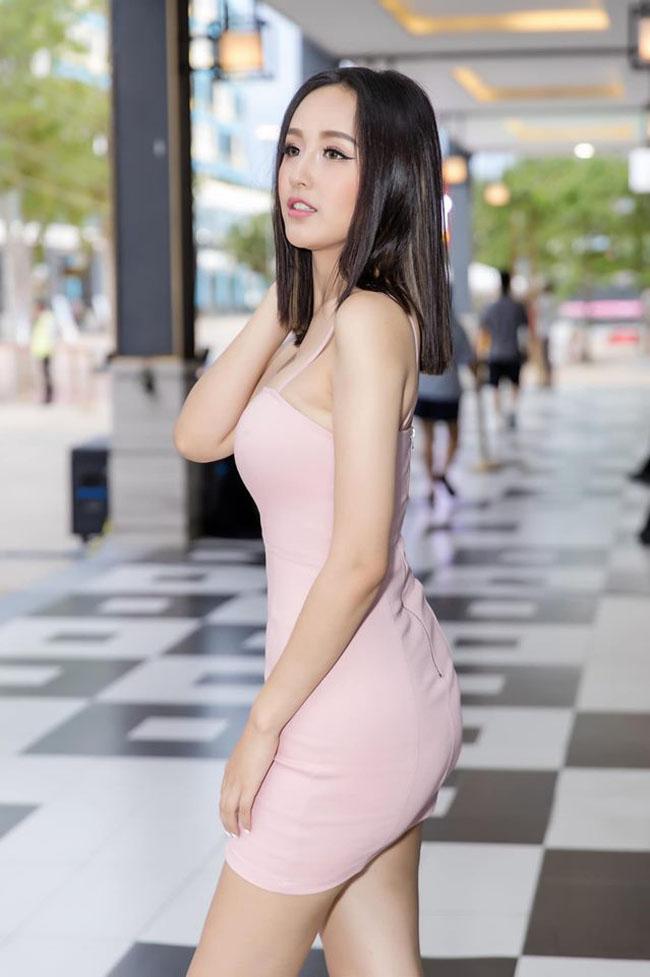 Mai Phương Thúy tiết lộ mẫu váy 'gây sát thương đàn ông' - Ảnh 1