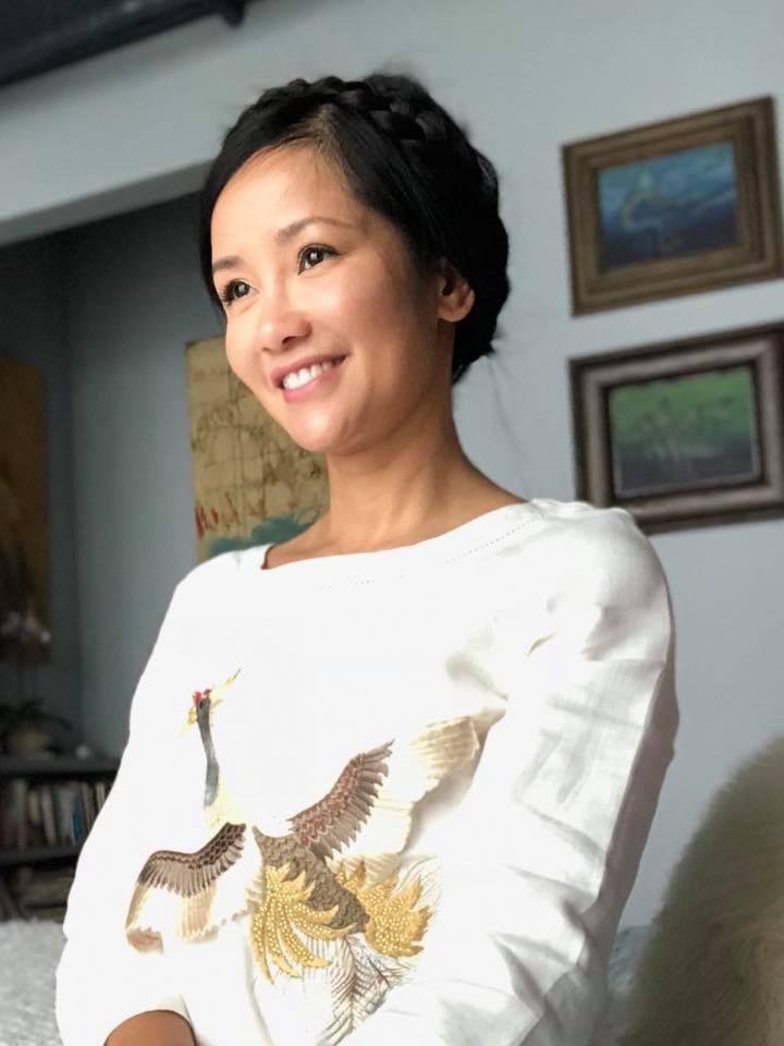 Sau ly hôn, Hồng Nhung tất bật giúp 2 con đón Trung thu ấm áp dù không có ba bên cạnh - Ảnh 4