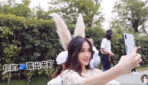 Angelababy tỏ thái độ lạ giữa tin đồn ly hôn Huỳnh Hiểu Minh - Ảnh 3