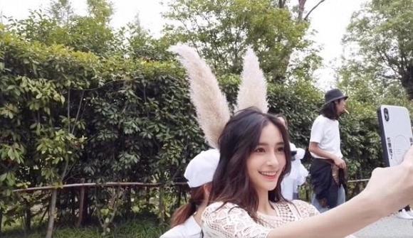 Angelababy tỏ thái độ lạ giữa tin đồn ly hôn Huỳnh Hiểu Minh - Ảnh 5