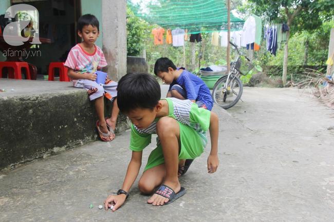 4 đứa trẻ mồ côi cha, ốm trơ xương vì đói ăn bên bà nội già yếu sau khi mẹ bỏ đi lấy chồng mới - Ảnh 12
