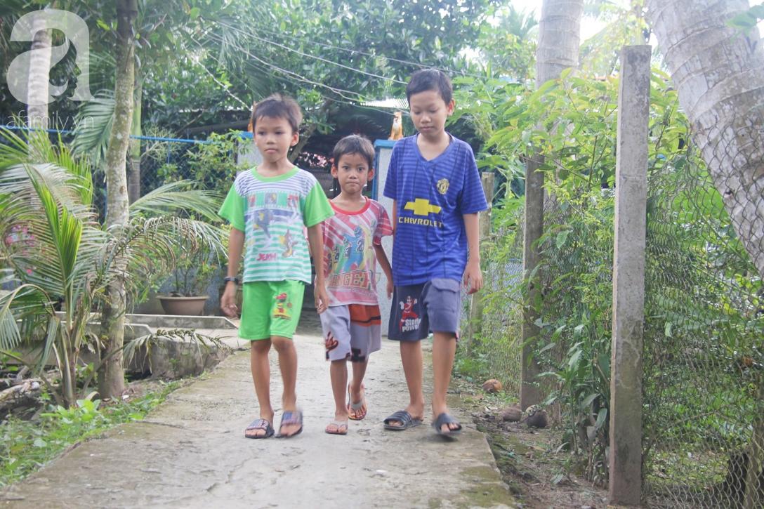 4 đứa trẻ mồ côi cha, ốm trơ xương vì đói ăn bên bà nội già yếu sau khi mẹ bỏ đi lấy chồng mới - Ảnh 4
