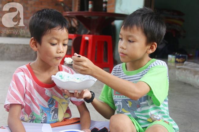 4 đứa trẻ mồ côi cha, ốm trơ xương vì đói ăn bên bà nội già yếu sau khi mẹ bỏ đi lấy chồng mới - Ảnh 5