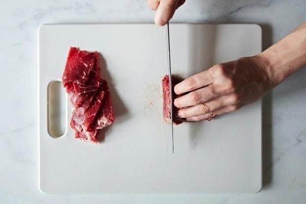 Những tuyệt chiêu nấu ăn nghe kỳ lạ lắm nhưng lại là 'vũ khí bí mật' của các đầu bếp để có món ăn ngon - Ảnh 8