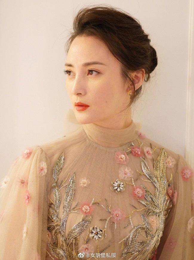 14 mỹ nhân Hoa ngữ ngoài 40 tuổi: Bên cạnh nhan sắc 'hack tuổi' còn gây trầm trồ với style và makeup xuất sắc - Ảnh 8