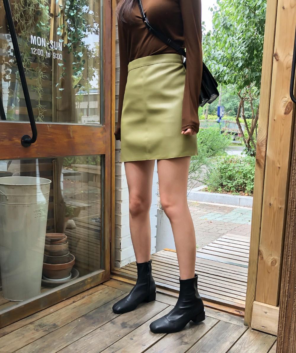 Sang đến mùa lạnh, 4 món thời trang này đã hết thời và bạn nên né ngay để style không lỗi mốt theo - Ảnh 11