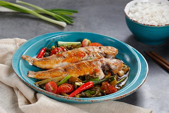 Cách chế biến cá đổng kho dưa cà lạ miệng, đưa cơm phải làm ngay cho bữa cơm tối - Ảnh 1