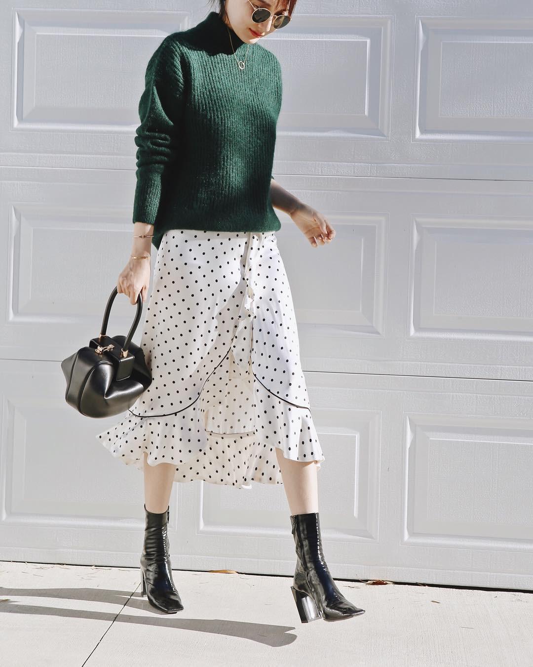 Đơn giản là áo len + chân váy thôi nhưng có đến 4 cách mix&match xinh mê hồn để bạn thỏa sức diện đông này - Ảnh 1