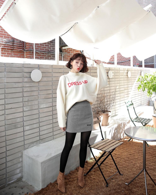 Đơn giản là áo len + chân váy thôi nhưng có đến 4 cách mix&match xinh mê hồn để bạn thỏa sức diện đông này - Ảnh 6