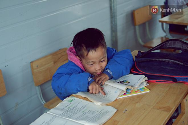 Cảm động câu chuyện thầy giáo mỗi tuần vượt 200km từ đồng bằng lên núi cao để dạy chữ - Ảnh 6