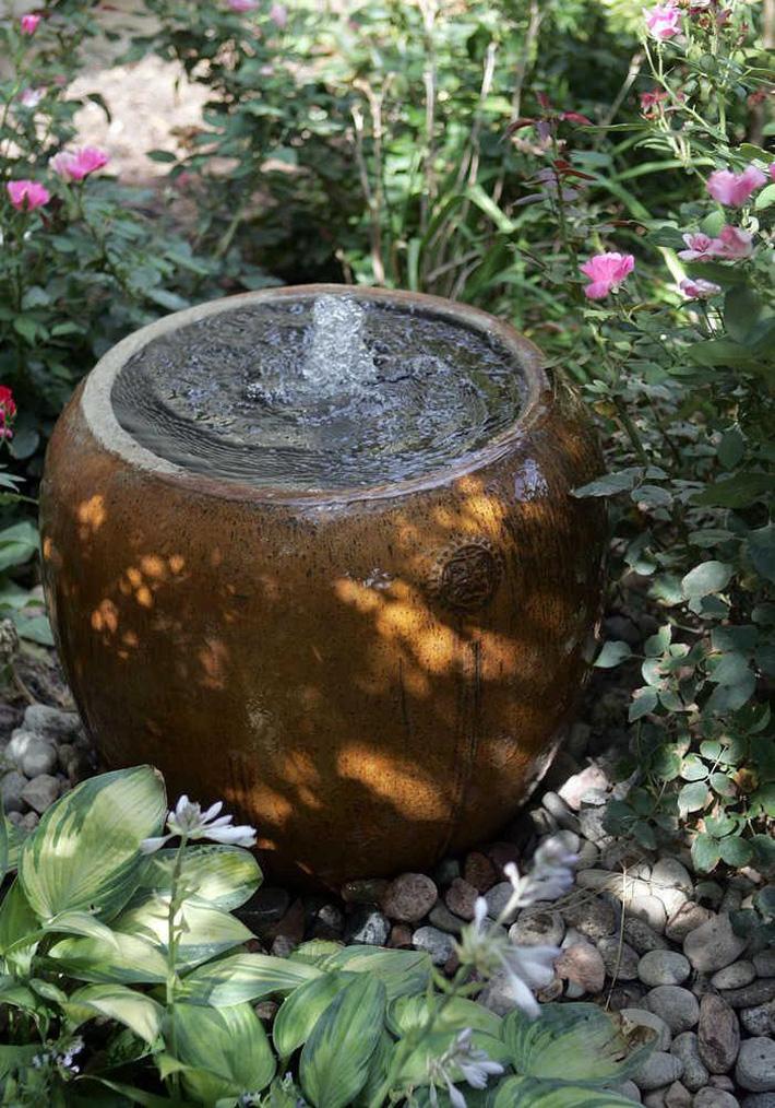 12 cách tự chế thác nước nhân tạo cho vườn nhà đón Tết siêu đẹp mà không mất quá nhiều tiền - Ảnh 4