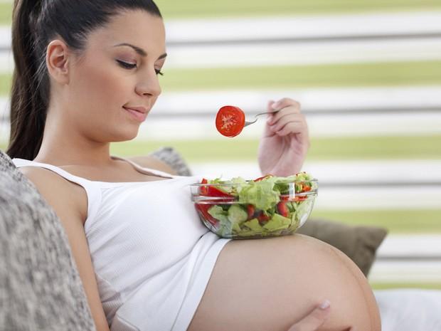 6 thói quen cực tốt bà bầu cần duy trì mỗi ngày để mẹ và bé đều khỏe mạnh, hạnh phúc - Ảnh 3