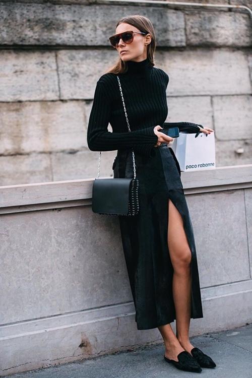 Áo cổ lọ đen không hề nhàm chán vì có cả chục cách mặc đẹp - Ảnh 3