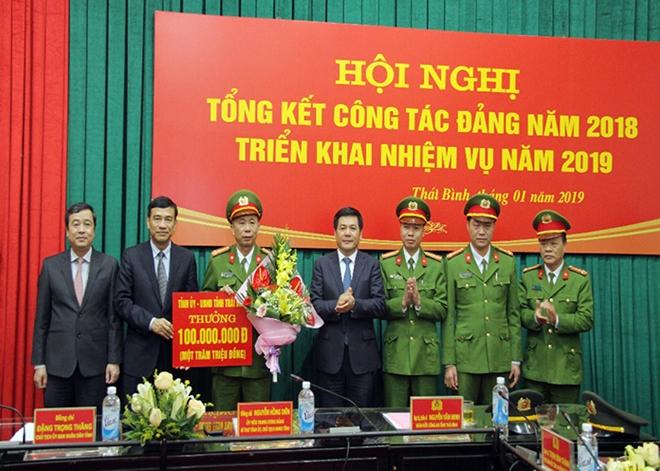 Bắt tên cướp ngân hàng ở Thái Bình, thu hồi gần 200 triệu đồng - Ảnh 4