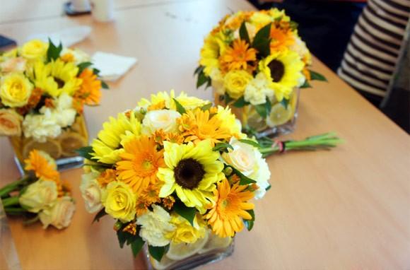 Hướng dẫn cách cắm hoa cúc vàng tươi ngày Tết
