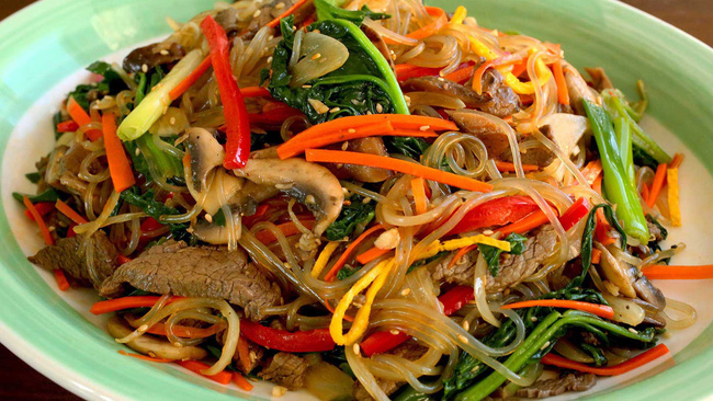 Có một món ngon ngày Tết độc nhất vô nhị ở Hàn Quốc mà lại gần giống người Việt, chị em không biết thì phí - Ảnh 4