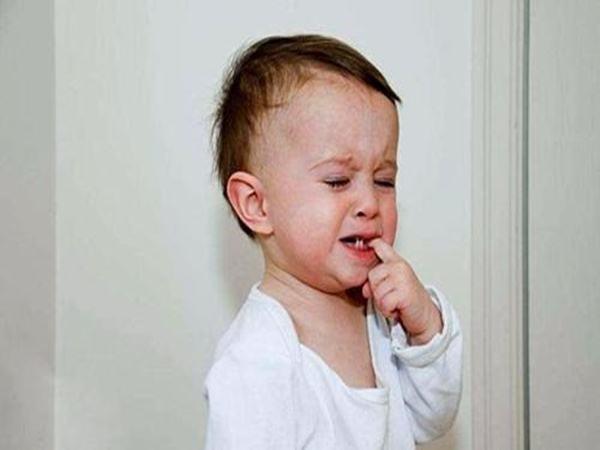 Con trai 2 tuổi tiểu ra máu, mẹ lập tức đưa đi khám thì phát hiện thủ phạm chính là món rau mình cho con ăn hằng ngày - Ảnh 2