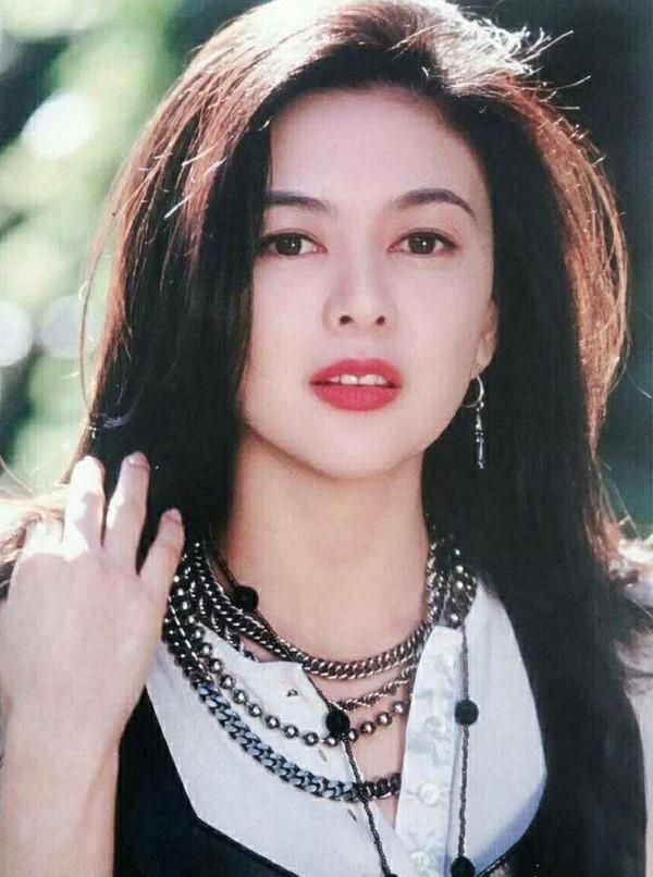 Ngỡ ngàng trước nhan sắc thời trẻ của nữ diễn viên U60 đứng đầu danh sách 'Top mỹ nhân đẹp nhất thế giới' - Ảnh 1