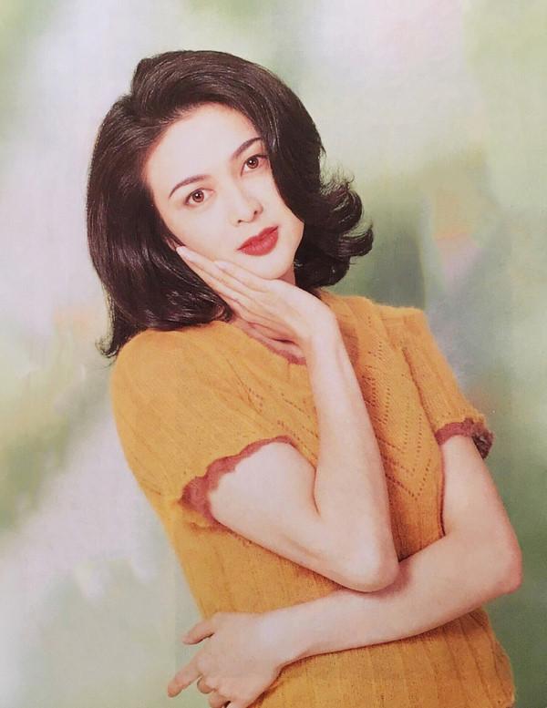 Ngỡ ngàng trước nhan sắc thời trẻ của nữ diễn viên U60 đứng đầu danh sách 'Top mỹ nhân đẹp nhất thế giới' - Ảnh 3
