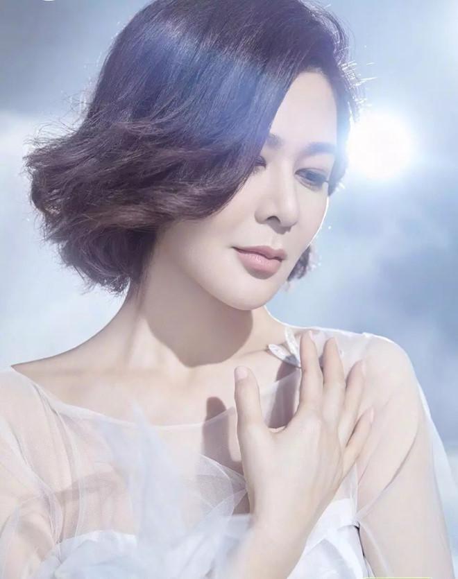 Ngỡ ngàng trước nhan sắc thời trẻ của nữ diễn viên U60 đứng đầu danh sách 'Top mỹ nhân đẹp nhất thế giới' - Ảnh 7