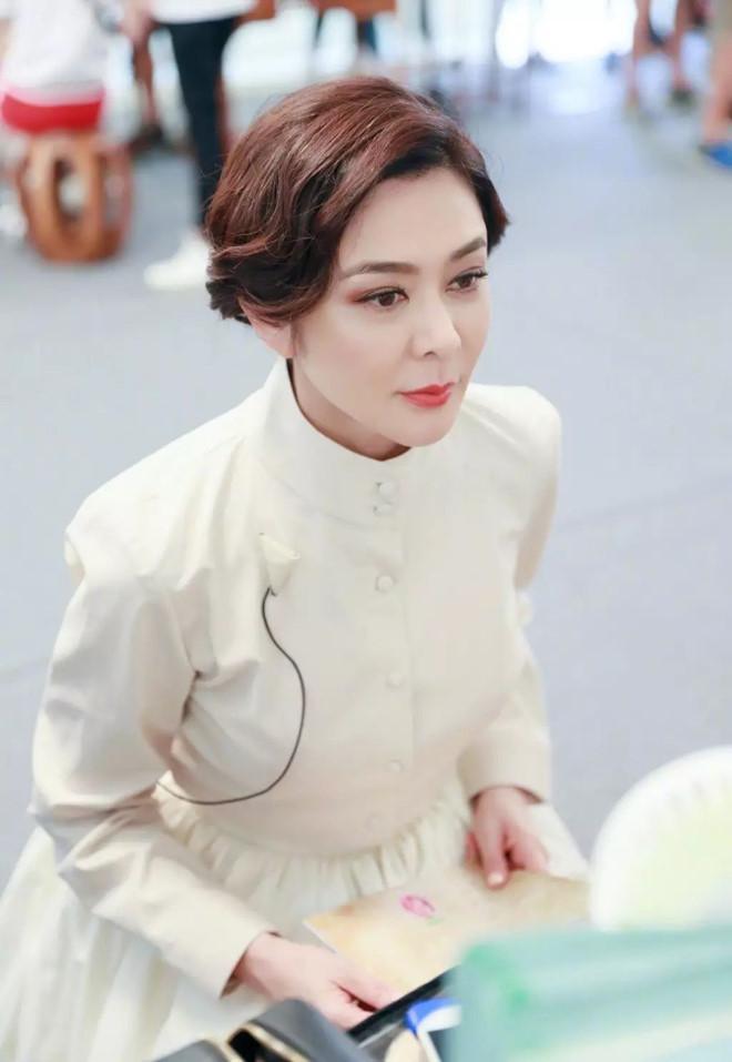 Ngỡ ngàng trước nhan sắc thời trẻ của nữ diễn viên U60 đứng đầu danh sách 'Top mỹ nhân đẹp nhất thế giới' - Ảnh 8