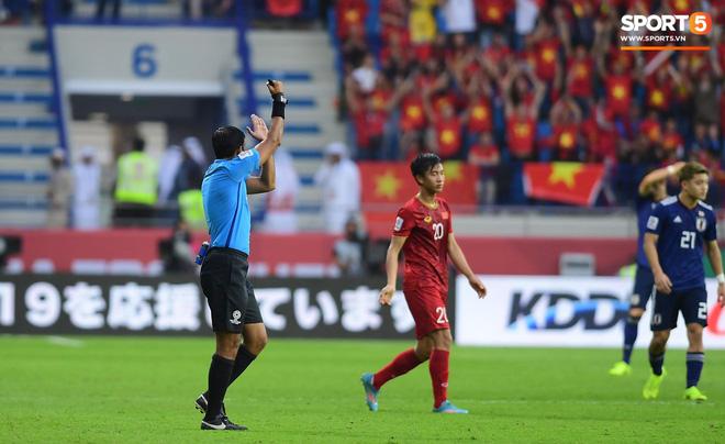 Sự kiện lịch sử ở Asian Cup: Pha ghi bàn đầu tiên không được công nhận vì sự can thiệp của VAR - Ảnh 3