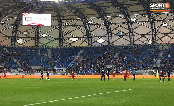 Sự kiện lịch sử ở Asian Cup: Pha ghi bàn đầu tiên không được công nhận vì sự can thiệp của VAR - Ảnh 4