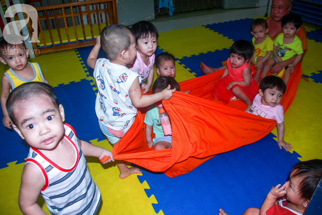 Ánh mắt cầu cứu của 232 đứa trẻ bị bố mẹ bỏ rơi, lớn lên từ vạt áo cà sa của người cha già nơi cửa Phật - Ảnh 3