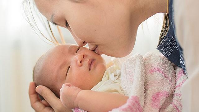 Bác sĩ nhi cảnh báo loại virus nguy hiểm có triệu chứng giống cảm cúm có thể gây tử vong ở trẻ sơ sinh, cha mẹ hết sức lưu tâm - Ảnh 1