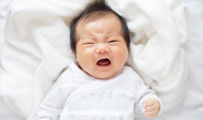 Bác sĩ nhi khoa tiết lộ nỗi 'sợ hãi' thực sự của các bé sơ sinh khi mới chào đời khiến ai cũng sẽ bất ngờ - Ảnh 1