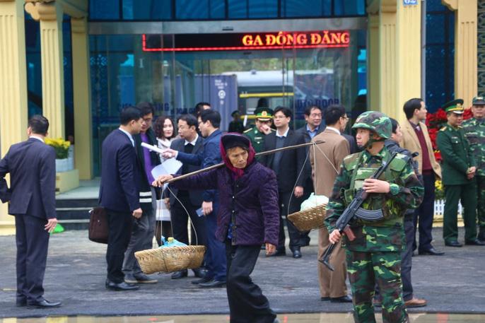 Nhiều lớp an ninh thắt chặt tối đa ở ga Đồng Đăng trước Thượng đỉnh Mỹ-Triều - Ảnh 8