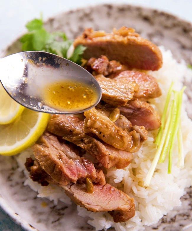 Vừa nhìn thấy thịt lợn nướng kiểu này, cả nhà đã đòi ăn cơm ngay lập tức - Ảnh 5