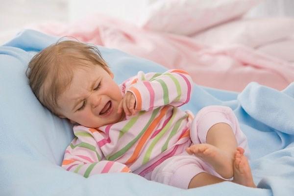 Nhiễm trùng đường tiết niệu ở trẻ: Triệu chứng và cách khắc phục - Ảnh 2