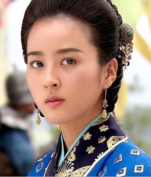 Dàn sao Truyền thuyết Jumong sau 12 năm: Người thành sao hạng A, kẻ rút lui khỏi làng giải trí - Ảnh 5