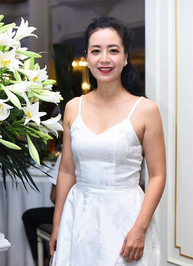 Dàn sao phía Bắc nô nức đến dự đám cưới hoành tráng của NSND Trung Hiếu và vợ trẻ kém gần 2 giáp - Ảnh 3