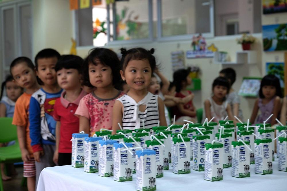 Hàng triệu ly sữa học đường cung cấp cho trẻ em thủ đô Hà Nội mỗi ngày - Ảnh 4