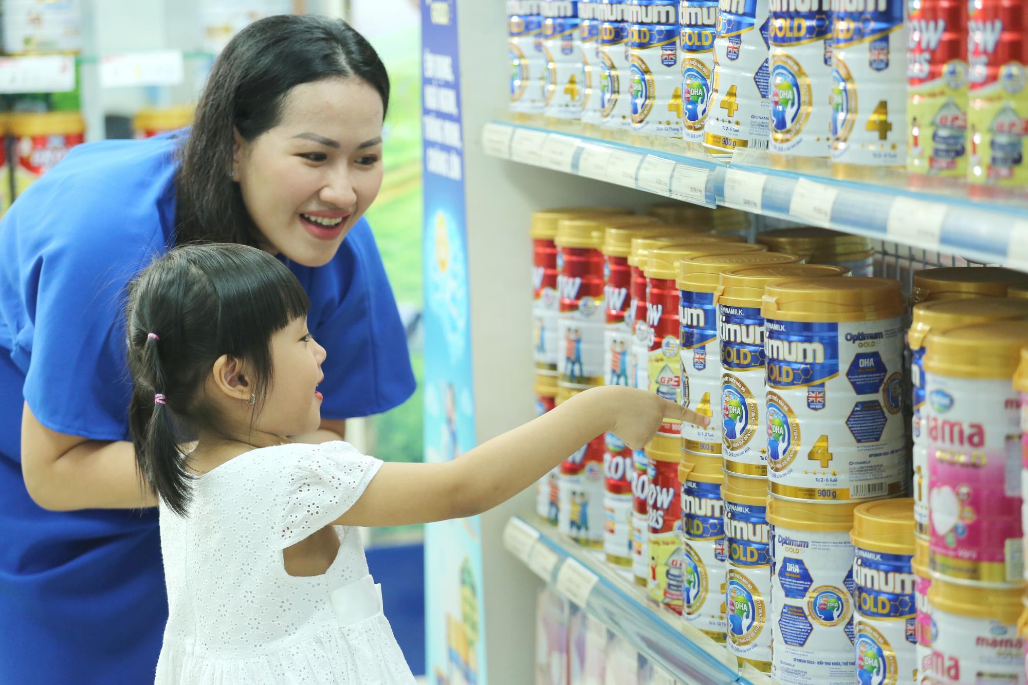 Không chỉ có sữa nước, sữa bột trẻ em Vinamilk cũng đang dẫn đầu thị trường - Ảnh 1