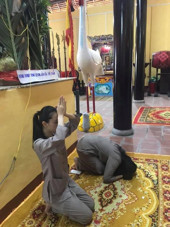 Trương Hồ Phương Nga giản dị đi hội đình vẫn đẹp rạng rỡ - Ảnh 3