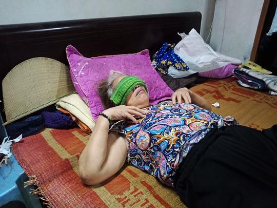 Ứa lệ trong đêm trắng ở căn nhà xập xệ của nữ công nhân môi trường tử nạn - Ảnh 2