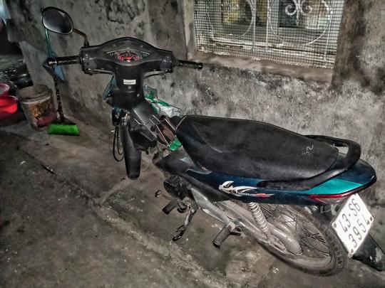 Ứa lệ trong đêm trắng ở căn nhà xập xệ của nữ công nhân môi trường tử nạn - Ảnh 11
