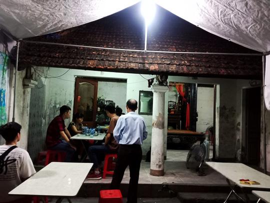 Ứa lệ trong đêm trắng ở căn nhà xập xệ của nữ công nhân môi trường tử nạn - Ảnh 6